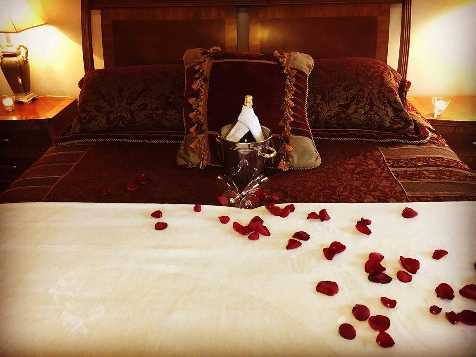 Mansion Master bedroom - King