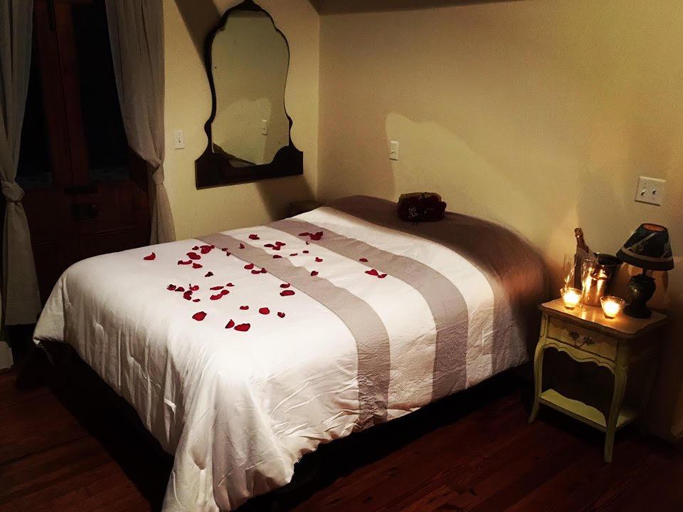Pond House master bedroom -  Queen