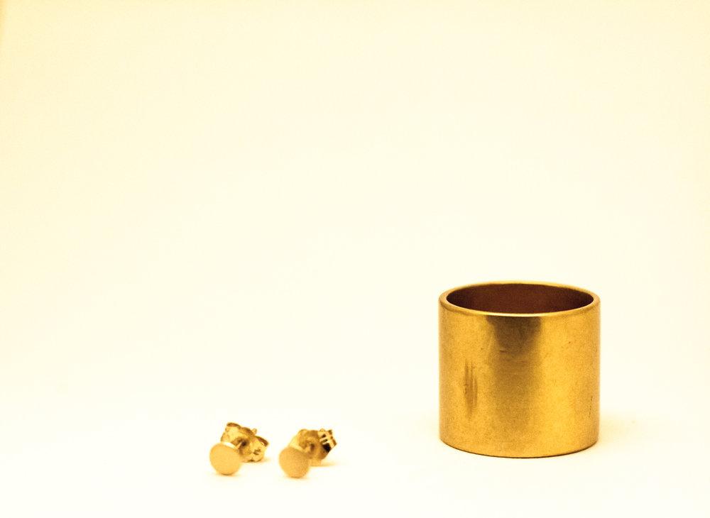 Rings and pretty things (1 of 1).jpg