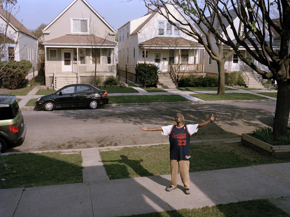 sidewalk_bt.jpg