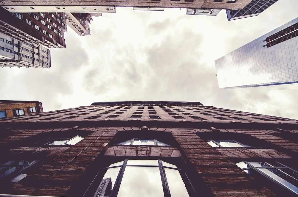buildings-1209690_1920.jpg