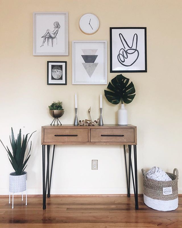 Peaceful environments, please. Art print in 4 sizes now available in our Line Art shop. Get one for a friend and spread all the peace all over the place. ✌🏼Did we mention there's free shipping?⠀⠀⠀ ⠀⠀⠀⠀⠀⠀⠀⠀⠀⠀⠀⠀ Photo & styling by the amazing @arborandcompany.