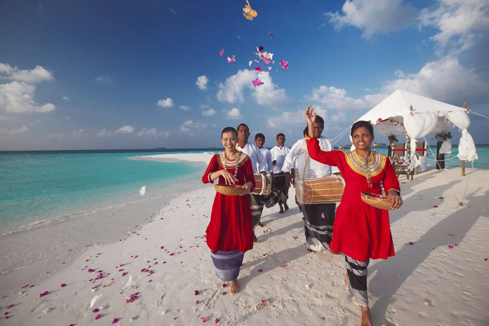 A beautiful Baros Sandbank wedding.