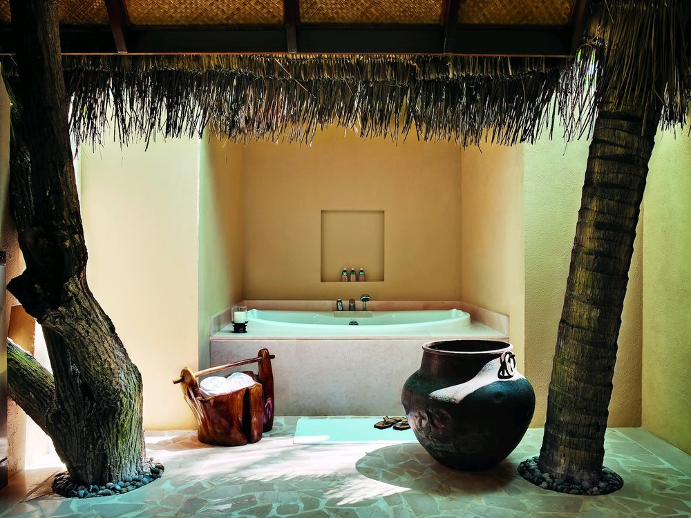 29125429-H1-Beach Villa Suite - bathroom (9999 x 7504).jpg