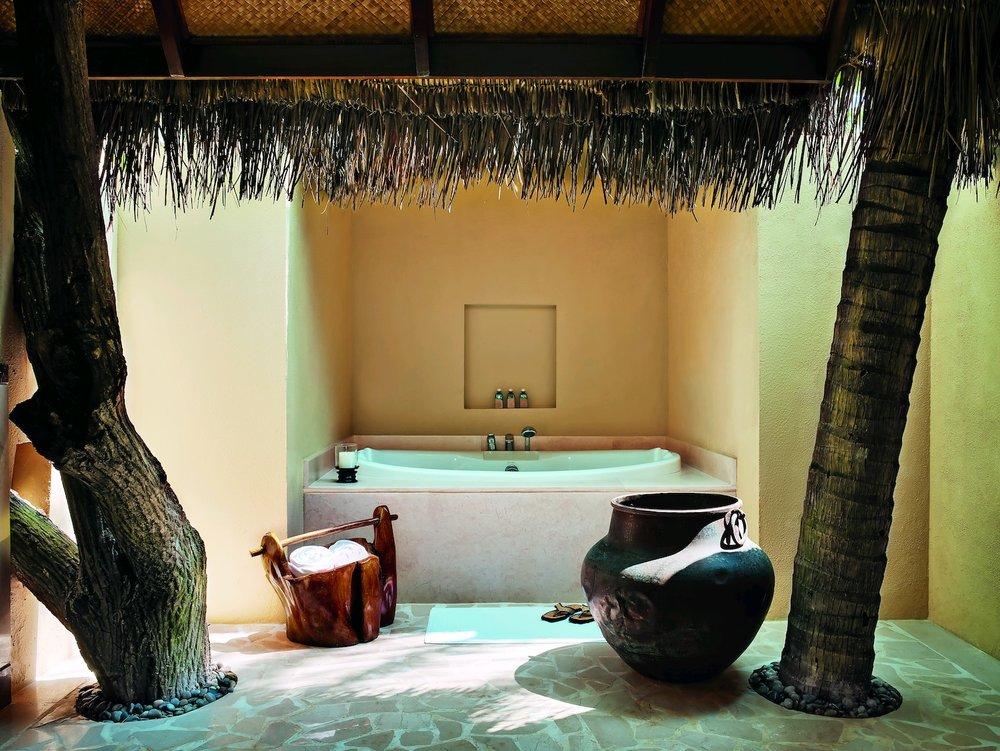 29125429-H1-Beach Villa Suite - bathroom (9999 x 7504).jpg