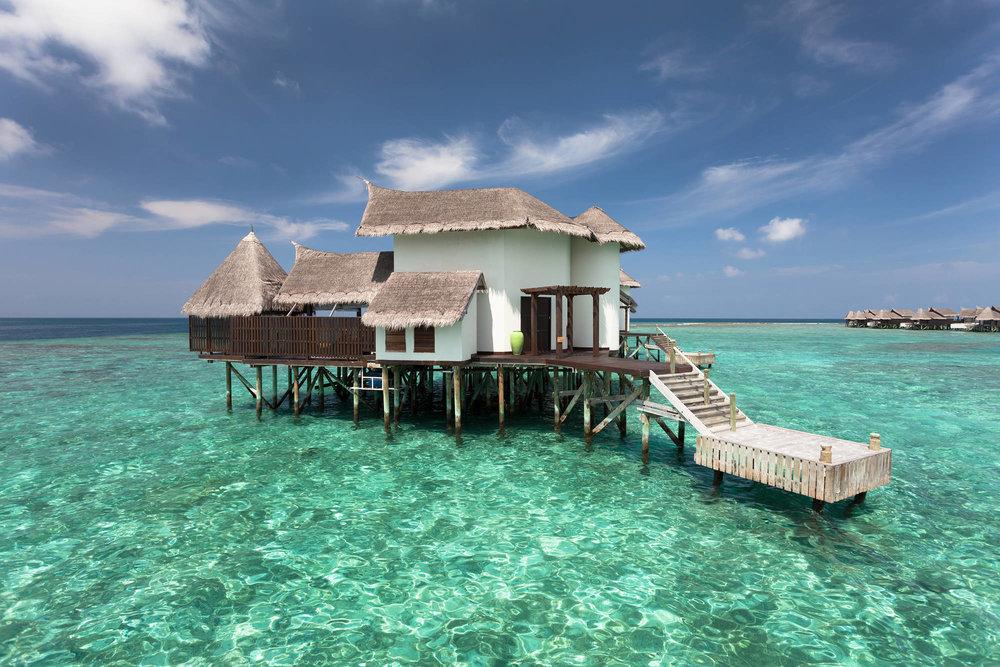 Jumeirah Vittaveli _ Ocean Suite with Pool - Exterior.jpg