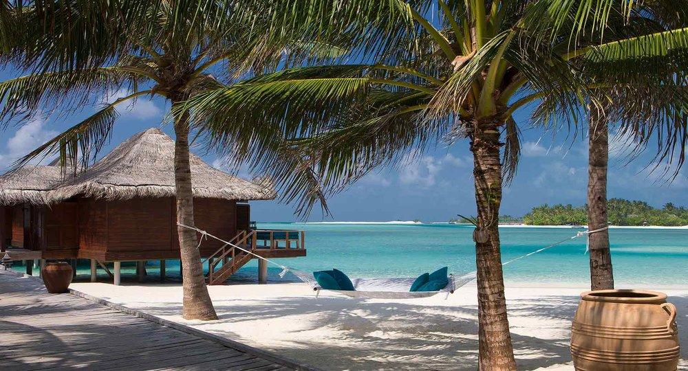 anantara_veli_maldives_boardwalk_1920x1037.jpg