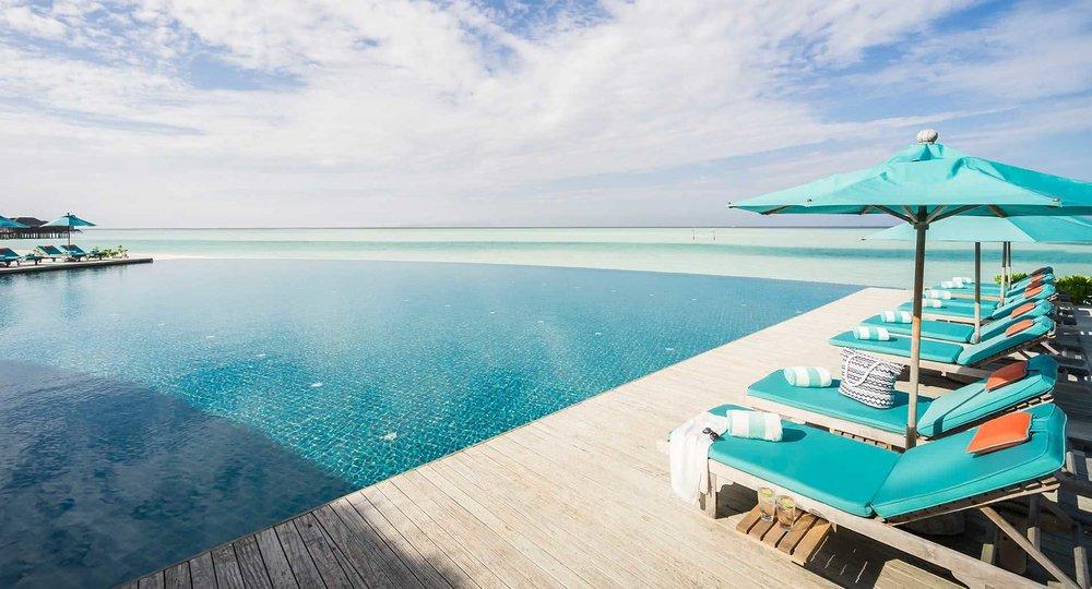 anantara_dhigu_maldives_aqua_pool_08_1920x1037.jpg