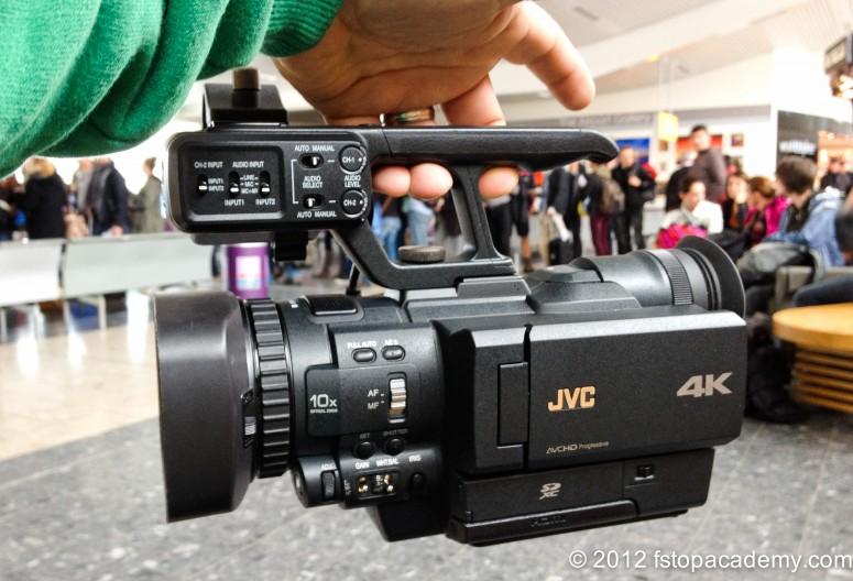 JVC 4k handheld camcorder  JVC GMY-HMQ10