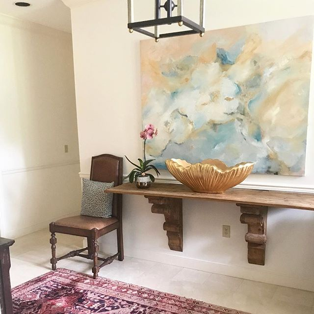 Foyer design coming together! #art #traditionalhome #transitionaldesign #housebeautiful #originalartwork #foyer #southerncharm