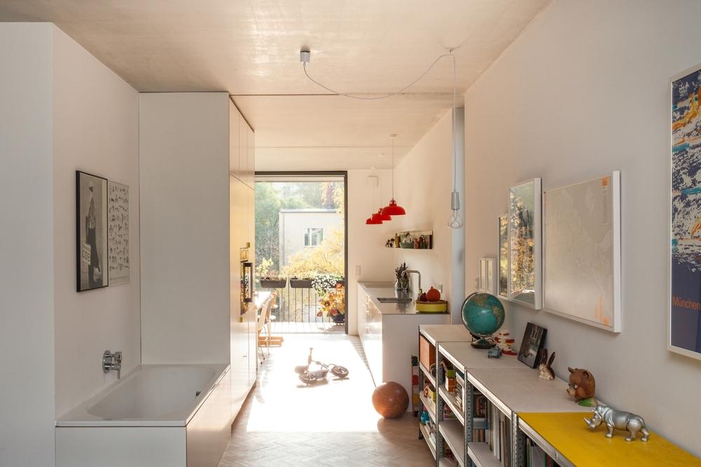 Baugruppe Wrangelstr. 11 Berlin Wohnung 02 Wohnzimmer Badewanne
