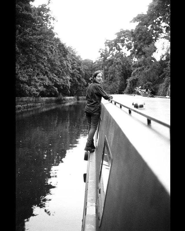 Canal living #boatlife #kodak400tx #blackandwhite #photography #portrait #london #canal #angel #nikonfm2 #35mmfilm #shootfilm #narrowboat #nikonais #manualfocuslens #manualexposure