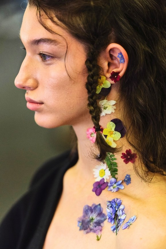 preen-flowers-neck.jpg