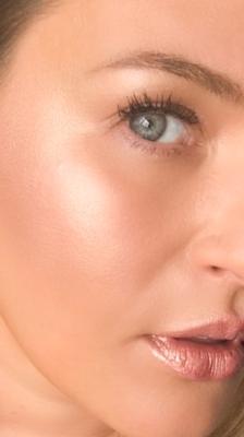 Cassie Lomas Huda Beauty