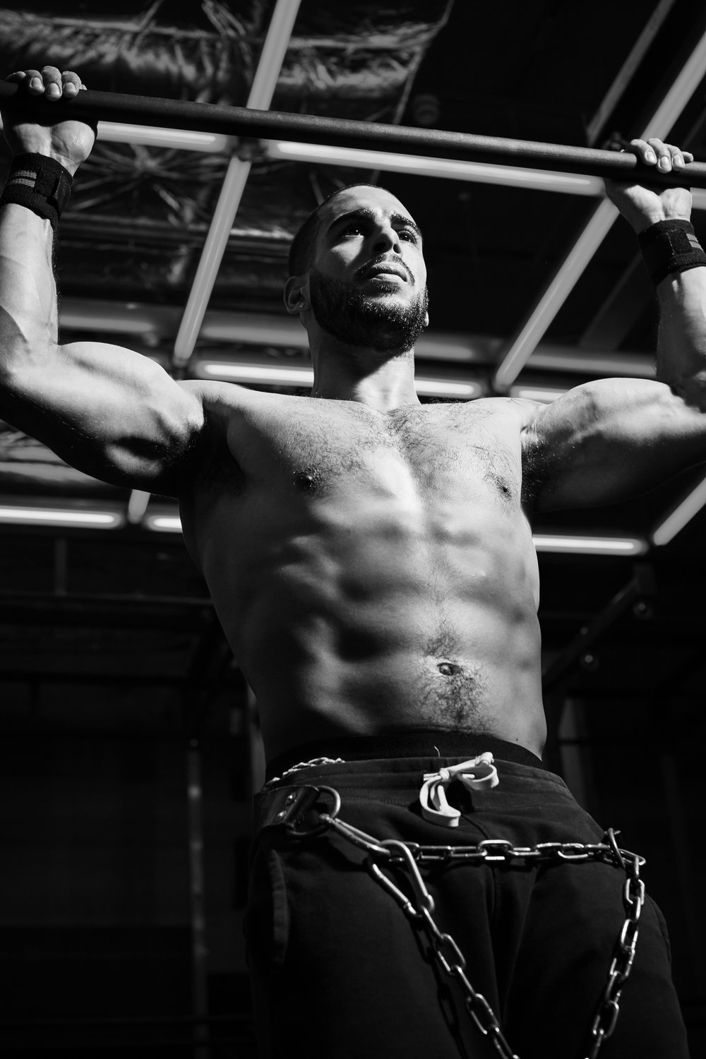 Sports & Fitness Commercial Portraits Gym Box Personal Trainer Pull Up with Chains