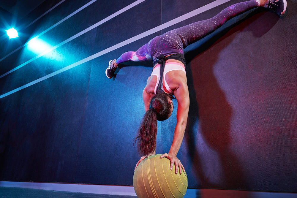 Sports & Fitness Commercial Gym Box Creative Hand Stand