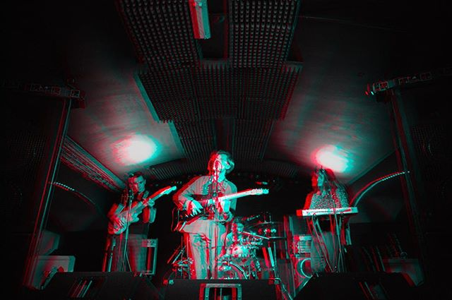 Edit from shooting @dontmakemeblushes over the weekend. Had fun watching them become rockstars, had fun messing around with this edit too 🤓 ➖➖➖➖➖➖➖➖➖➖➖➖➖➖➖ #EPHOTOGRAPHY #professional #photography #professionalphotographer #band #bandphotography #concert #music #blushes #blushesband #indiemusic #art #photoshop #3D #edit #instagood #instamusic #blackandwhitephoto #colours
