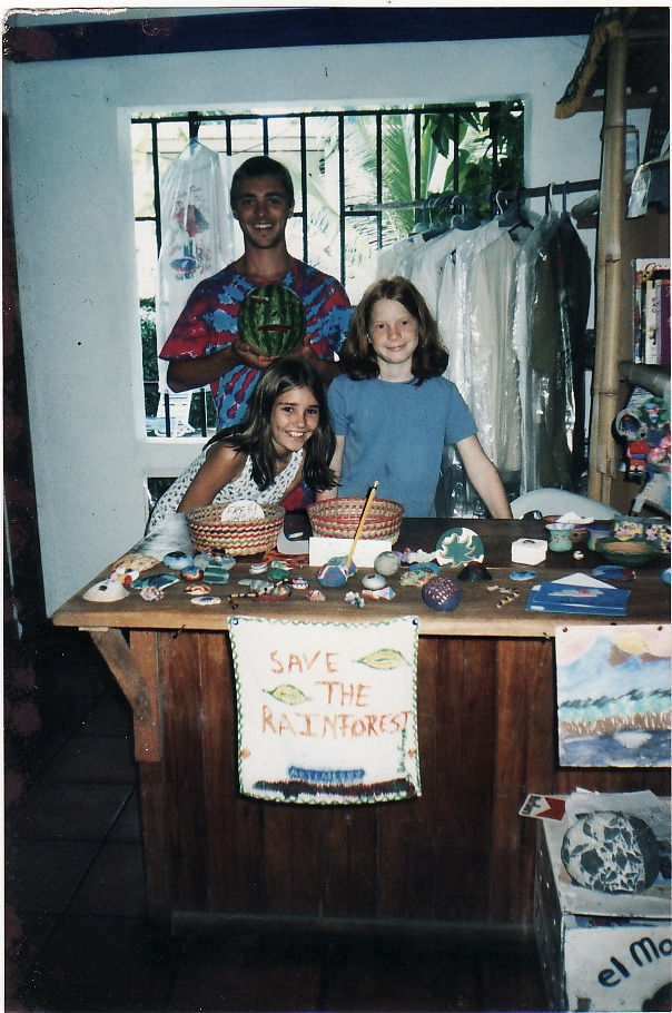JAnine licare and aislin livingstone , founders of KSTF, at 9 years old, with their first volunteer