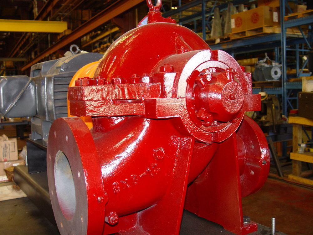 Double suction split case pumps are used in a variety of commercial, industrial and municipal applications. The HD series double suction split case pumps feature heavy-duty casings, high-efficiency enclosed impellers, oversized shafts, Thru-Bore line bore and optional metallurgies.    Performance Characteristics    Capacities to: 30,000+ GPM (6,813+ m^3/hr)    Heads to: 550 Feet (168 m)    Temperatures to: 300 F (149 C)    Speed ranges: 1200 to 3600 RPM
