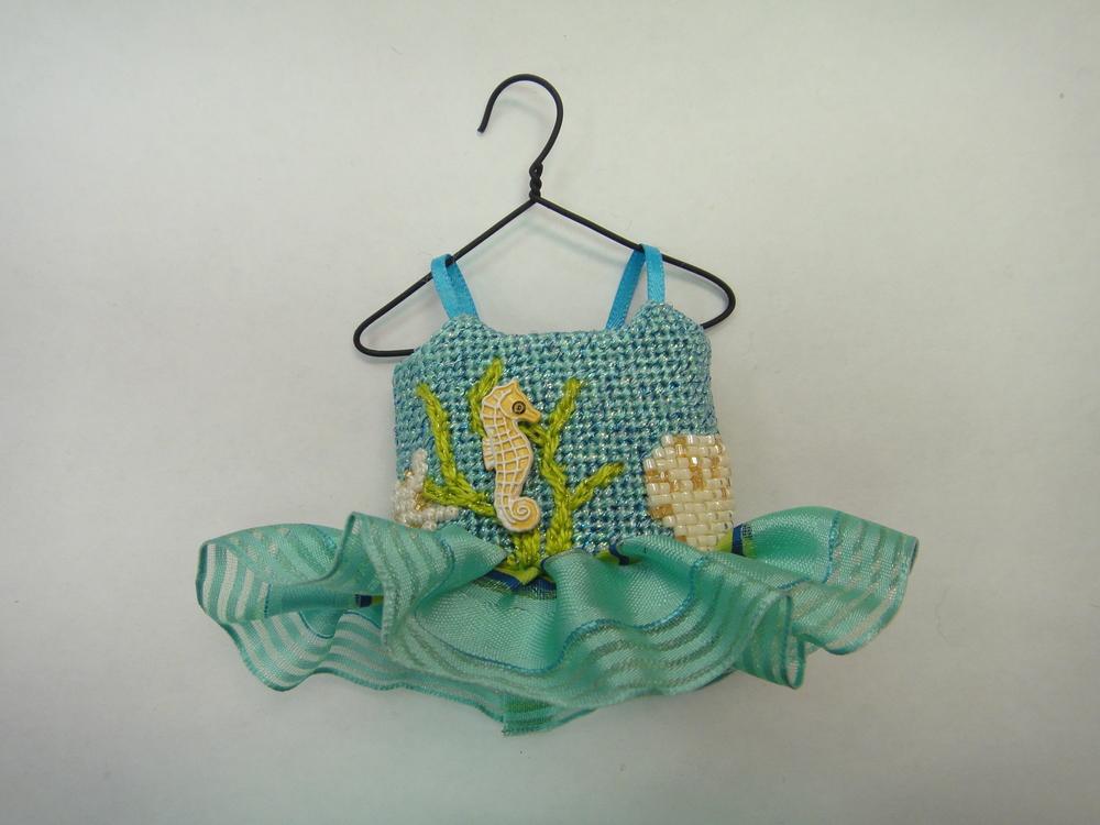 To114 Sea Shore Ballerina