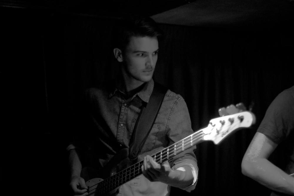 Bass / Craig Townsend