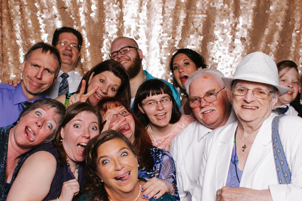 M&CPhotobooth_originals-184.jpg