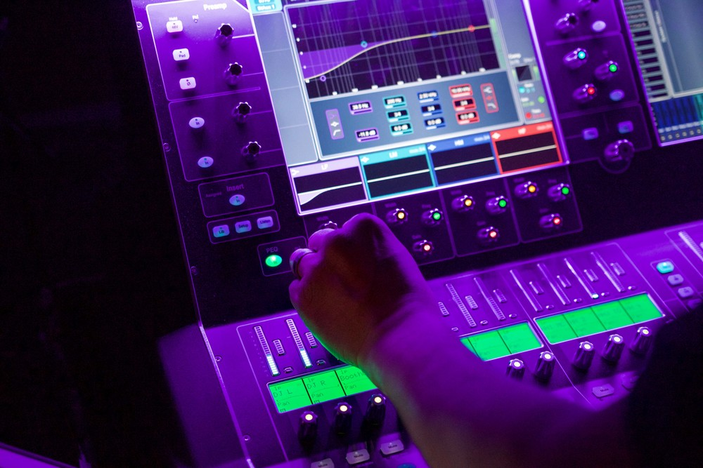 SRD-DJ Fresh-April 16-28.jpg