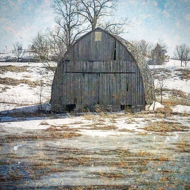 #fineart #fineartphotography #imagesbylee #photography #photographer #barn #everything_imaginable_ #explorewisconsin #backroads #farm #wisconsin #winter #discoverwisconsin #everything_home_front #ig_alls #artistry_flairs  #artistry_flair #splendid_shotz #masters_in_artistry #illustrious_art  #altered_nature #country_features #grammercollective #bns_nature #travel_wisconsin