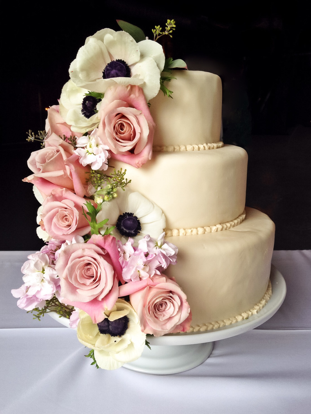 Gluten Free Wedding Cakes And Dessert Tables