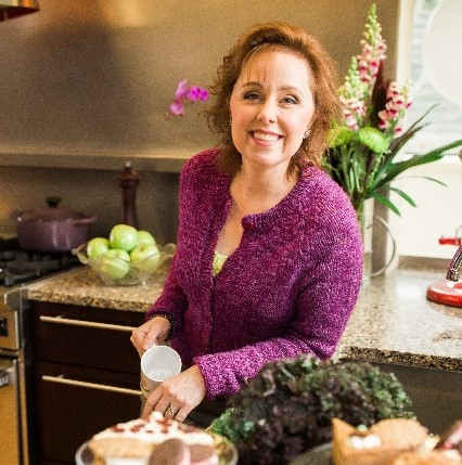 Edie has over two decades of experience supporting gluten sensitive people in creating new habits that lead to their best self. She combines her formal education as a Certified Health Coach in holistic healing and licensed skin care practitioner with a true love of food (and a true sensitivity to gluten) to guide others in living well without gluten.