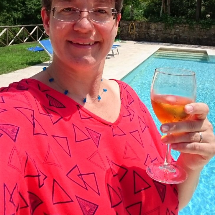 Clare in her Red Retro Triangles Kaftan, Tuscany