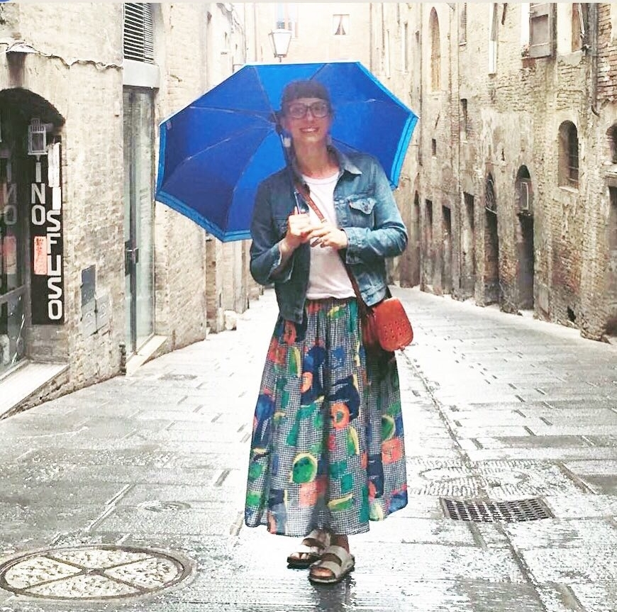 Lizzie in her Salad Days Full Skirt in Siena, Italy