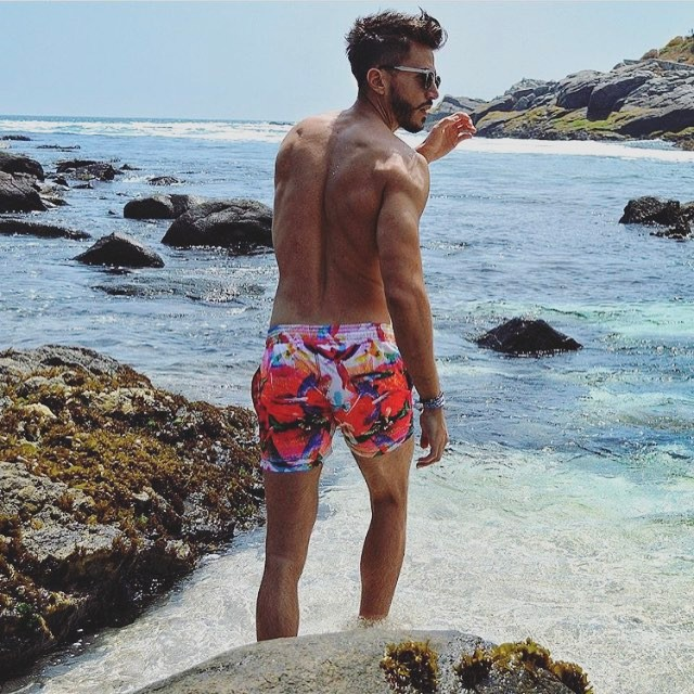@marcoferri5 showing us how our week should look like! #beachlife #menswimwear #menstyle #papuaswimwear #summer2017 #lifestyle #thosesummerdays