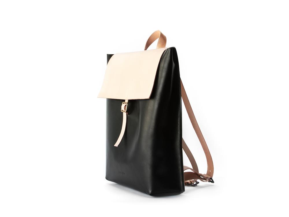 blog-cuero-and-mor-product-Backpack-Model-1-2-v1.jpg