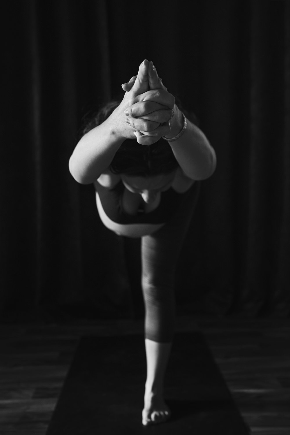 Richmond prenatal yoga meets a photographic study in the art of the female body while pregnant.