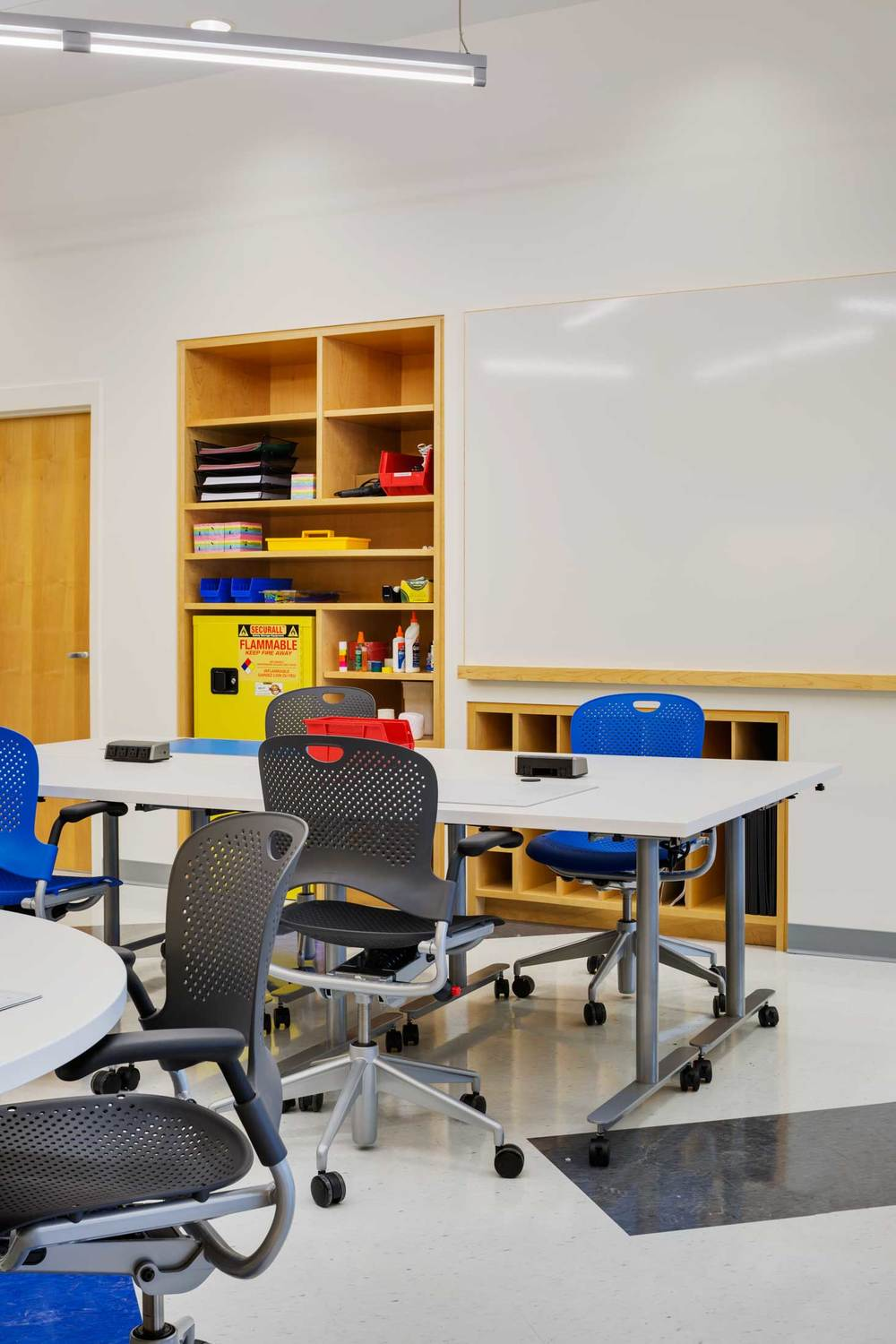 Harvard Classroom Design ~ Harvard engineering classroom cambridge ma — hecht and