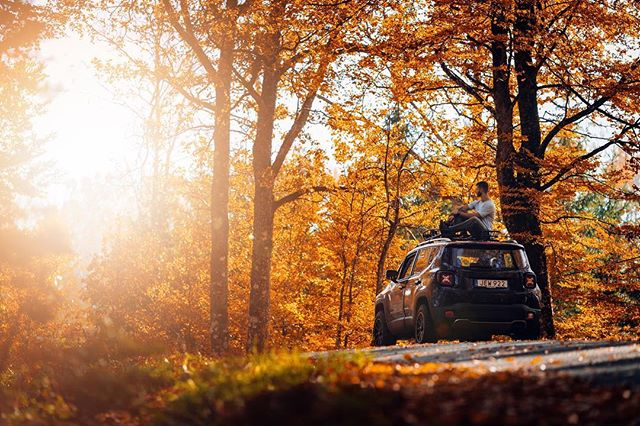 Jeeplife!  ____________ • Canon 1Dx mk2 | Sigma Art 35mm f/1.4 • #pmgridchallenge #moodygrams #mg5k #aov #jeepsverige #jeep #jeeplife #jeeprenegade #sigmaphotosweden