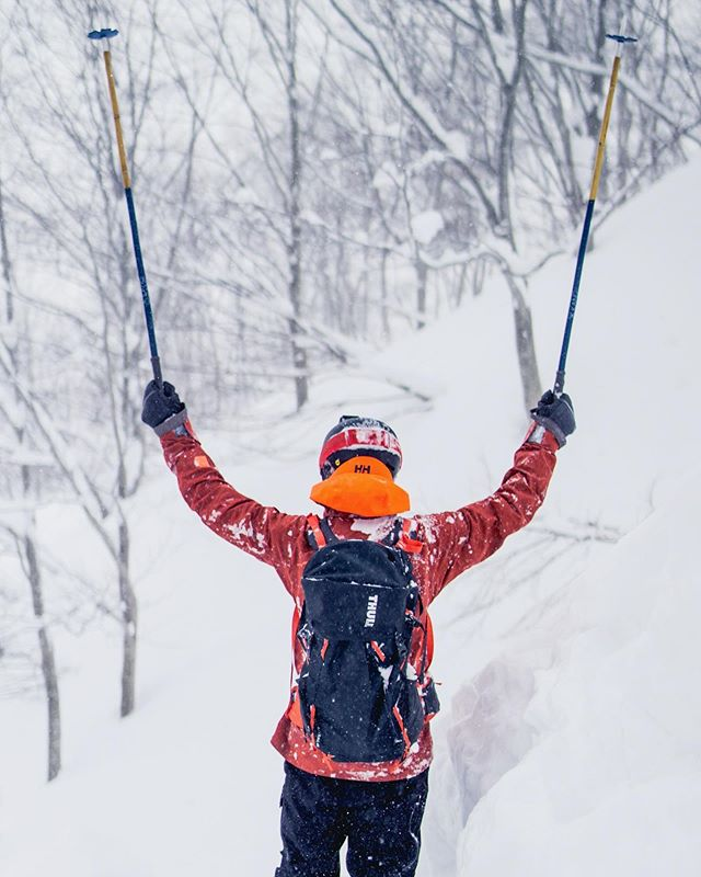 So much snow!!!❄️❄️ .#japan #japanski #japow #powder #hellyhansen @linuszetterlund
