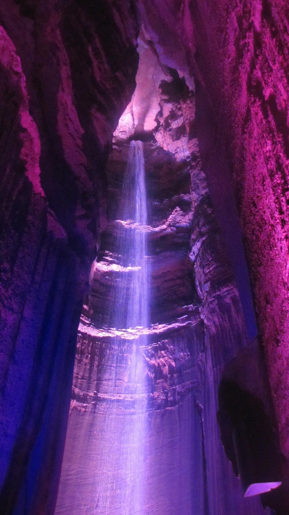 ruby-falls-61175_1920.jpg