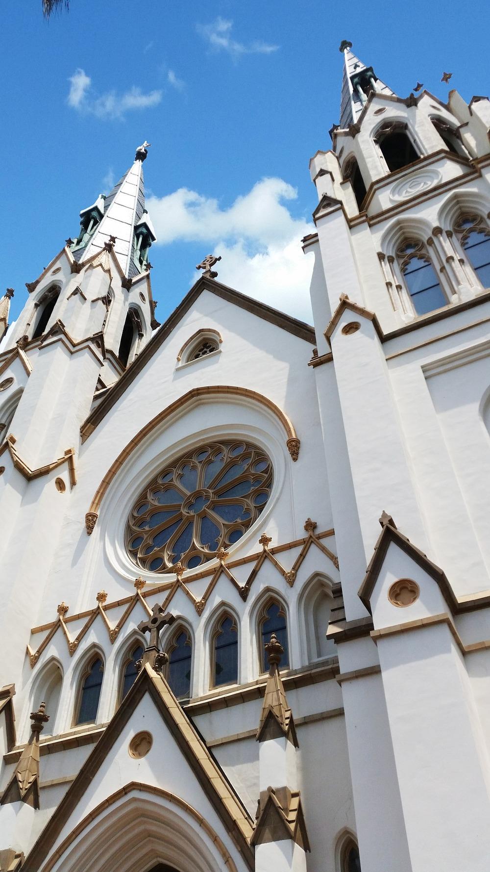 church-869826_1920.jpg