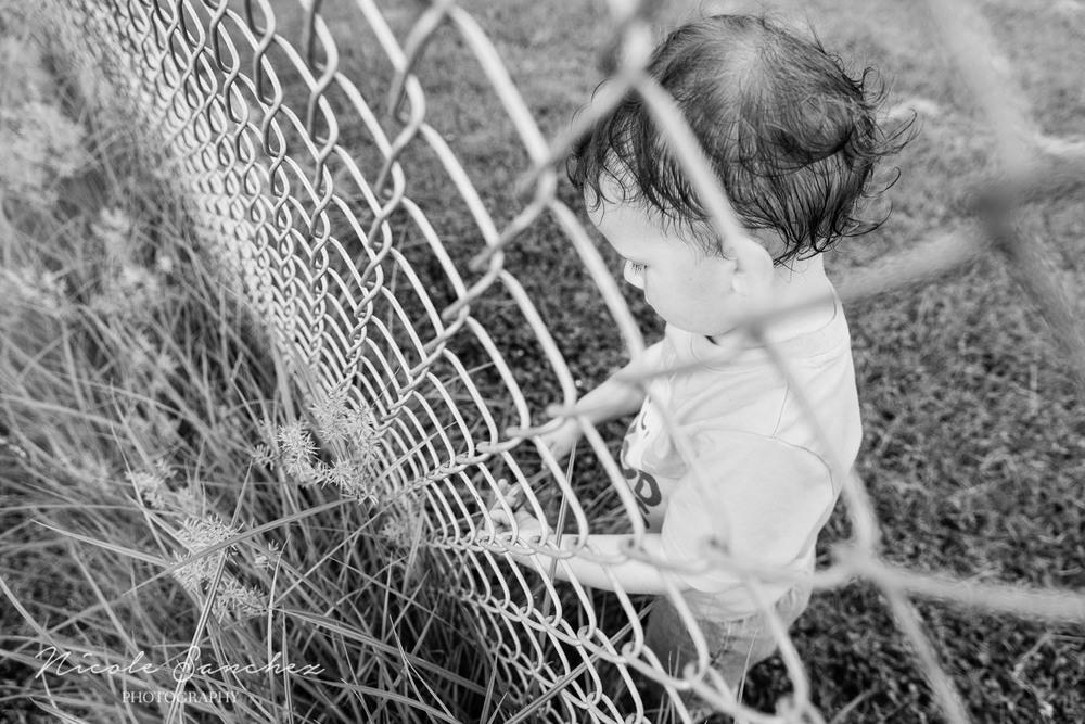 Documentary_Family_Photography_Neighborhood_Park.jpg