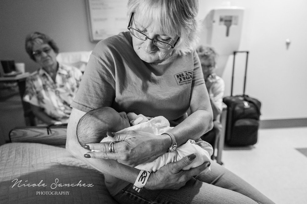 Documenting-Newborn-Moments-Northern-Virginia-Family-Photographer-2.jpg