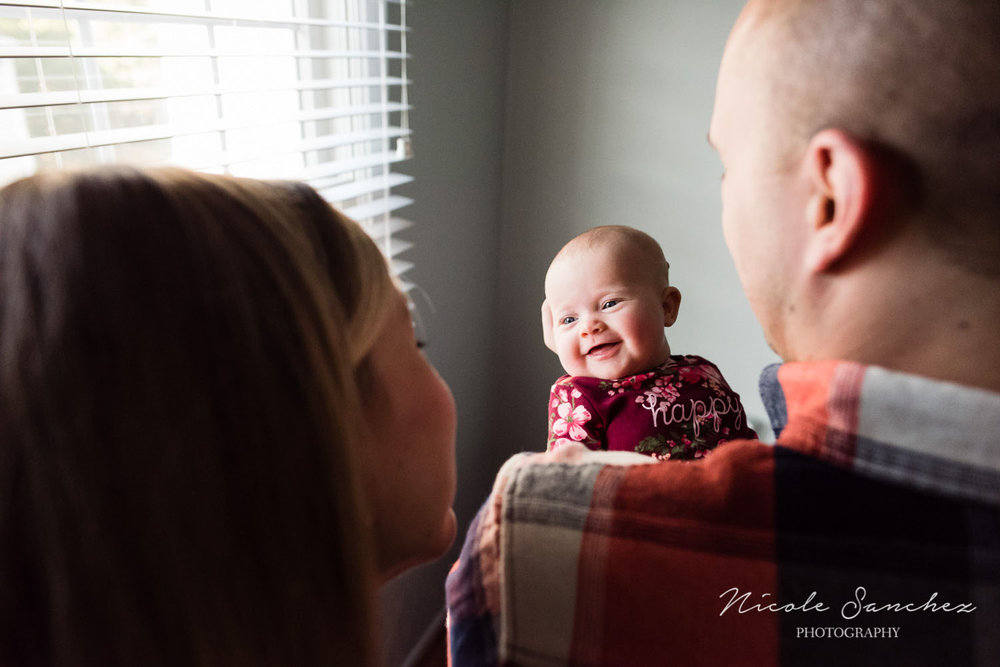 Baby smiling at mom | Northern Virginia Lifestyle Family Photographer