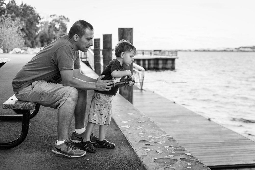 Jones-Point-Park-Alexandria-Virginia-Family-Photographer-Nicole-Sanchez2-2.jpg