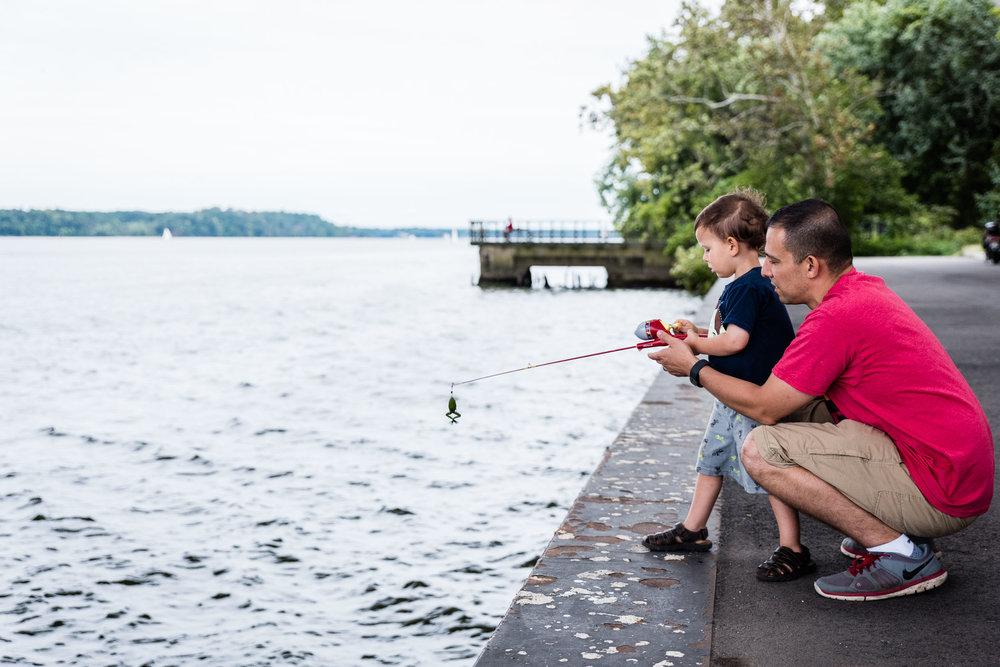 Jones-Point-Park-Alexandria-Virginia-Family-Photographer-Nicole-Sanchez3.jpg