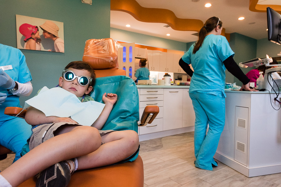 child-at-dentist-by-family-photographer-nicole-sanchez