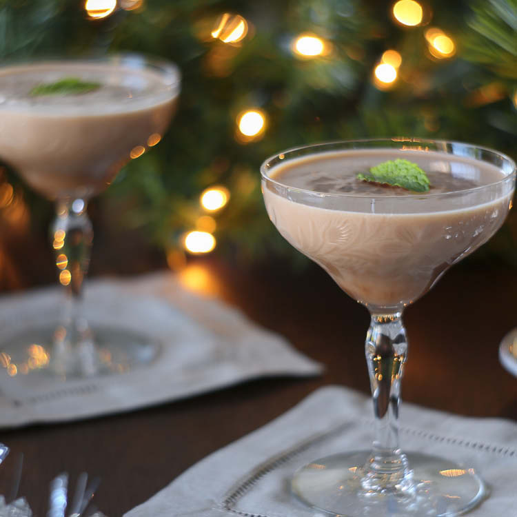 Peppermint Bark Cocktail.jpg