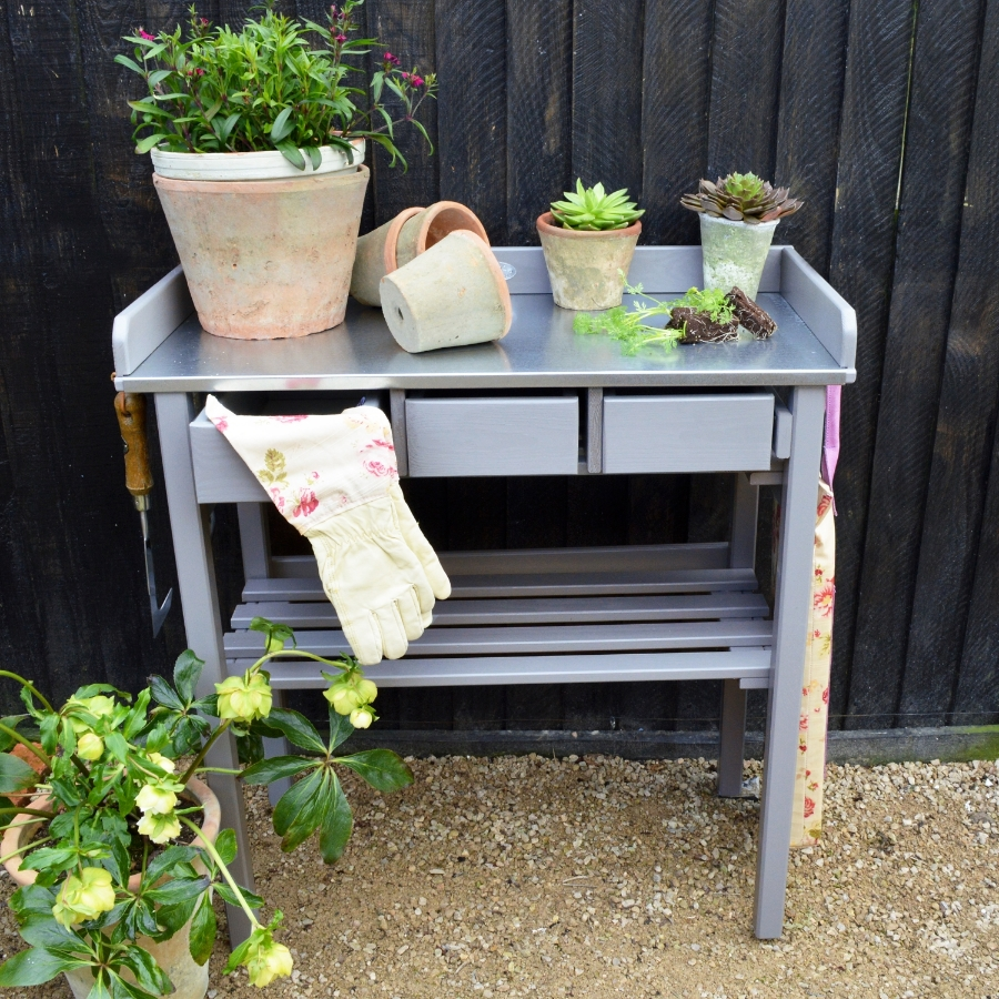Potting bench £130  www.miafleur.com