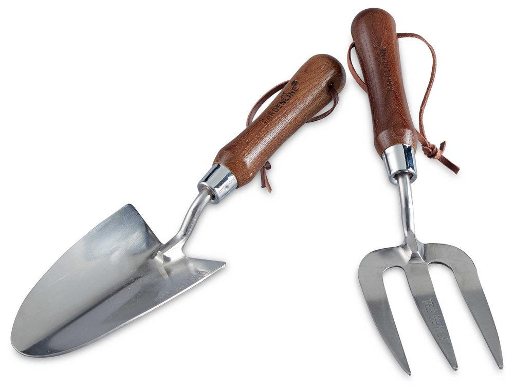 Gardening tool gifts modern gardens magazine for Gardening tools gift set