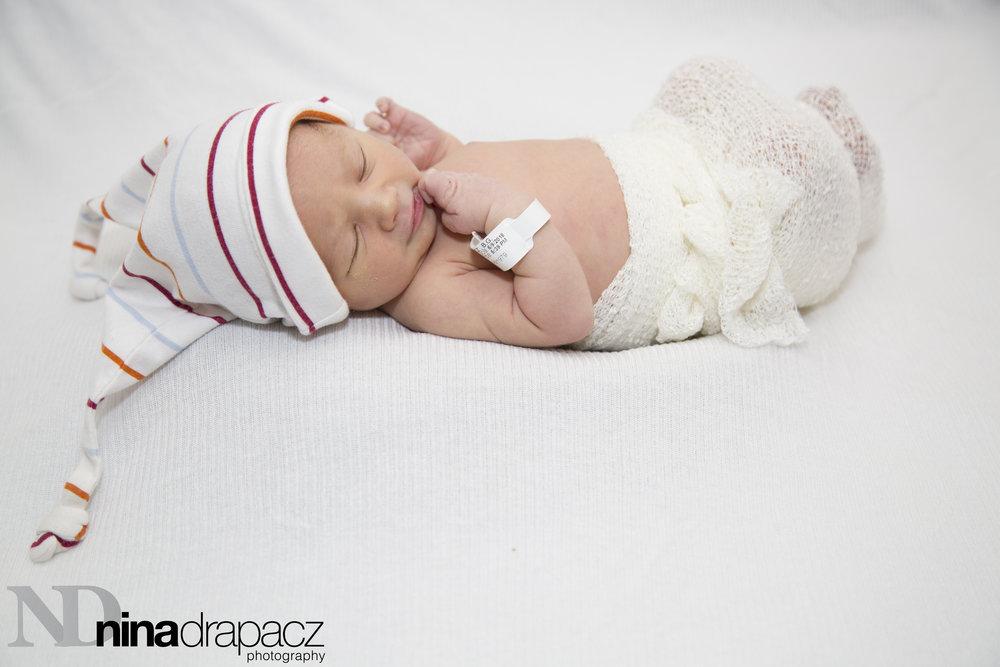 newborngirl33.jpg